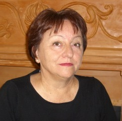 Halina Pilarska - Realtor at Bright Realty 5218 Station Way, Sarasota, FL 34238 Born in Poland, Halina Pilarska immigrated to the United States in 1983. With a law background she became interested in Real Estate in Pennsylvania, moved to Sarasota Florida in 1996 and has been in business for 18 years here. Fluent in both English and Polish, Halina has been helping people to pursue their dreams of home ownership in sunny Florida. She is well known as one of the most knowledgeable and thorough Realtors in the area. From contract to closing she is involved in all aspects of the transaction to assure a smooth and happy experience. Halina jest polskim pośrednikiem nieruchomości w Sarasota County na Florydzie. Halina urodziła się w Police i wyemigrowała do Stanów Zjednoczonych w 1983. Halina od 1996 roku mieszka w Sarasocie i od 18 lat pracuje na tutejszym rink nieruchomści. Halina mówi biegle po polsku. (941) 539 - 3467 Email: h.pilarska1@gmail.com www.realestate.brightrealtyfl.com